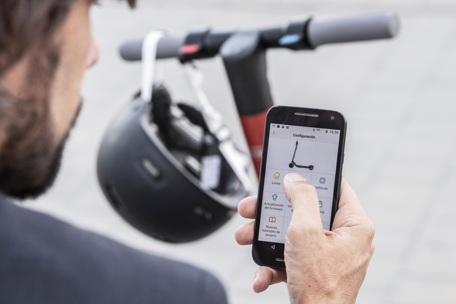 Another car company gets into electric scooters as SEAT reveals new e-scooter designed with Segway