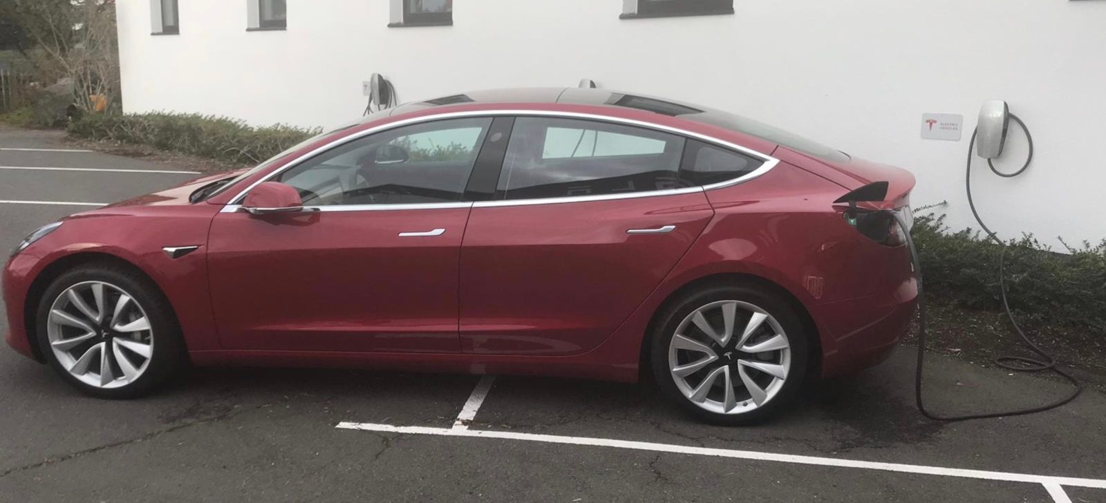 New Tesla Model 3 With Diffe Plug Spotted Ahead Of European Launch