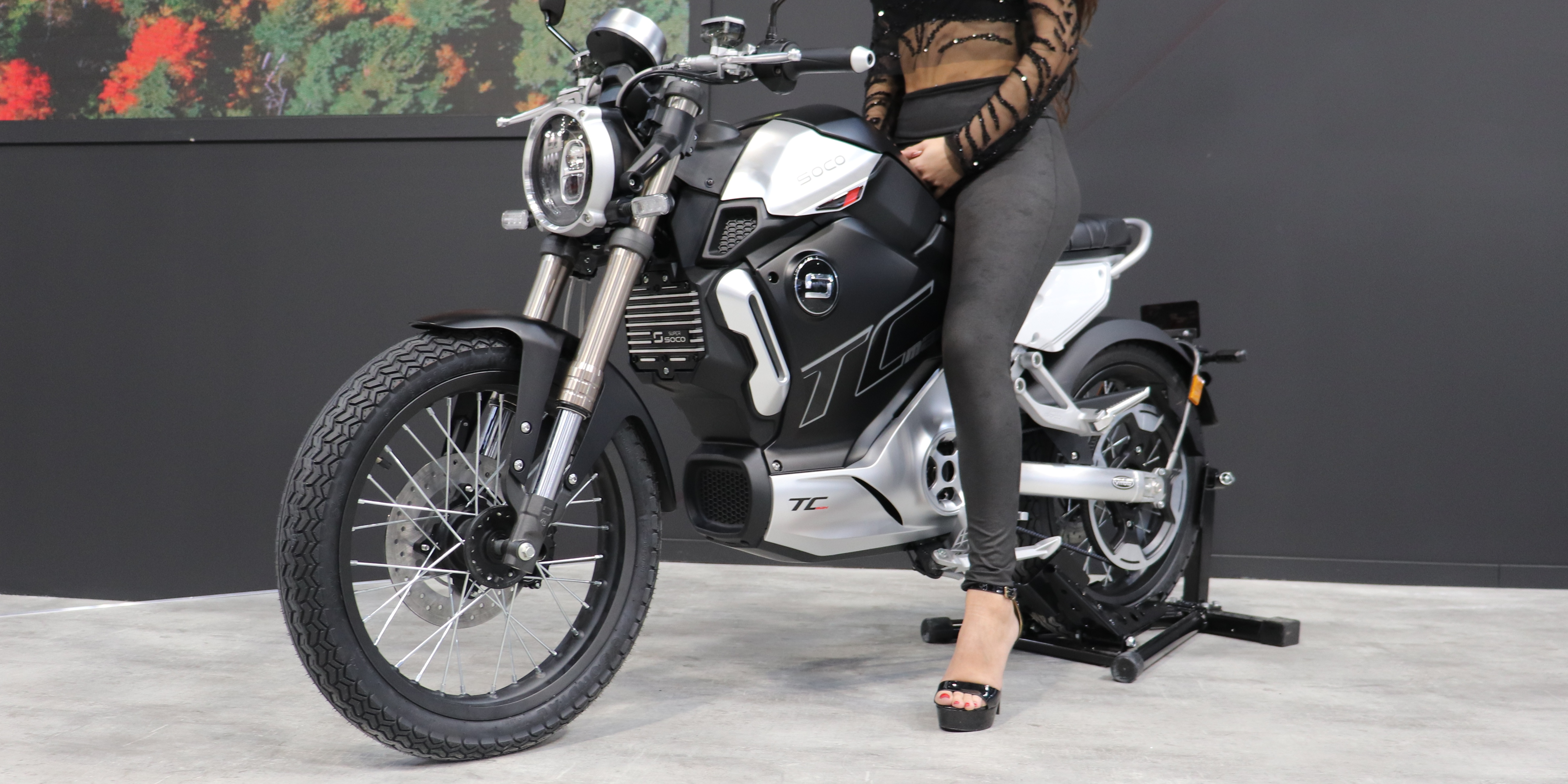 Super SOCO unveils new $5,100 and 62 mph electric motorcycle, the TC MAX