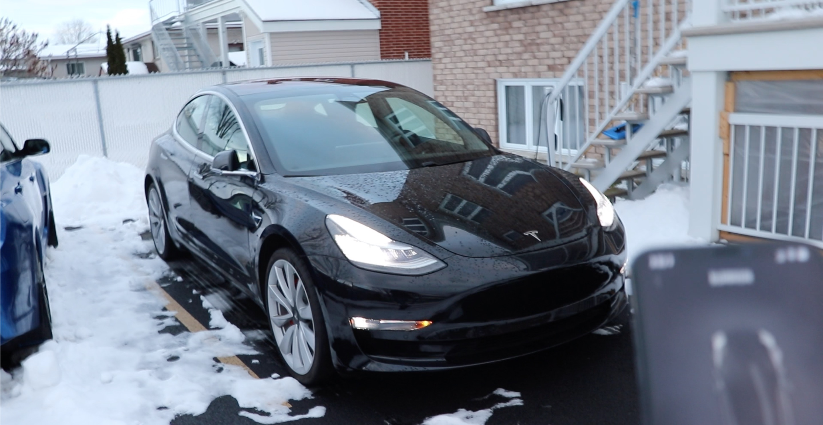 Tesla Model 3: prepare for winter with tires, mats, and more