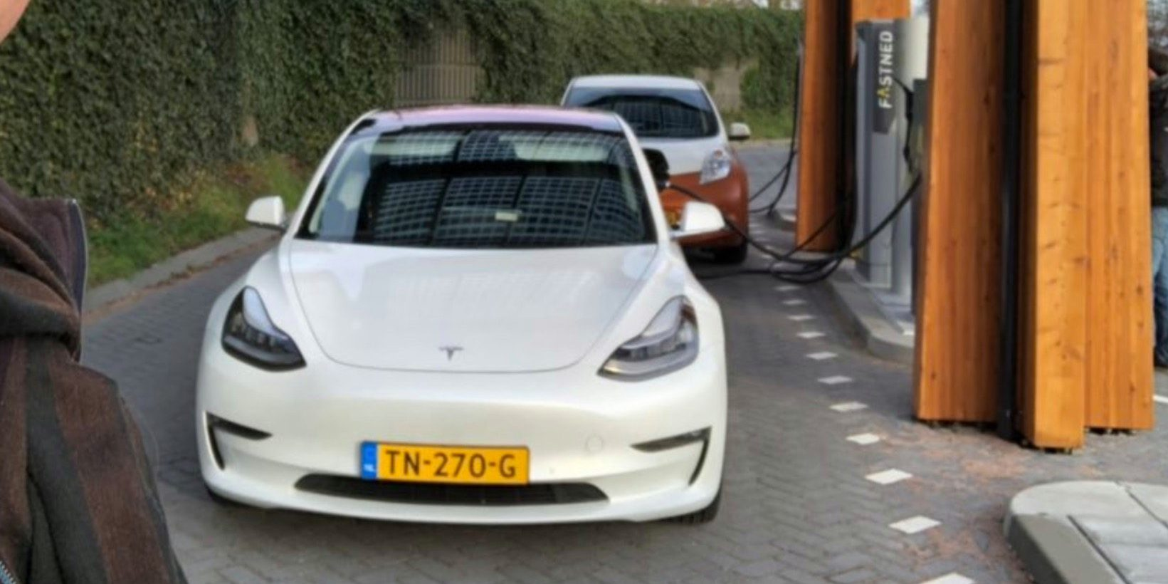 Tesla Model 3 reaches new record charge rate of 126 kW – faster on CCS than Superchargers