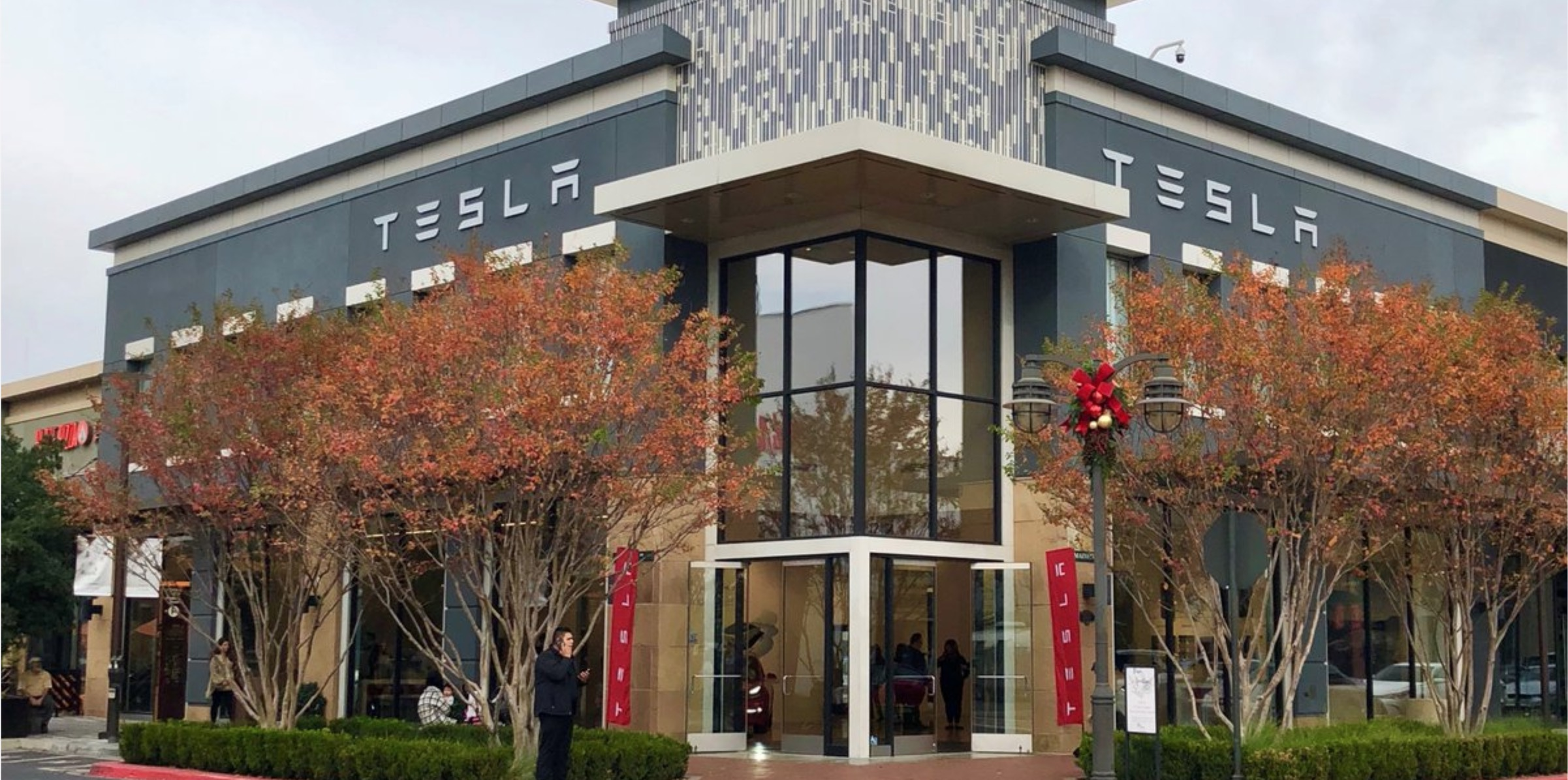 Texas is trying to block Tesla from even servicing its cars in direct sale battle with car dealers