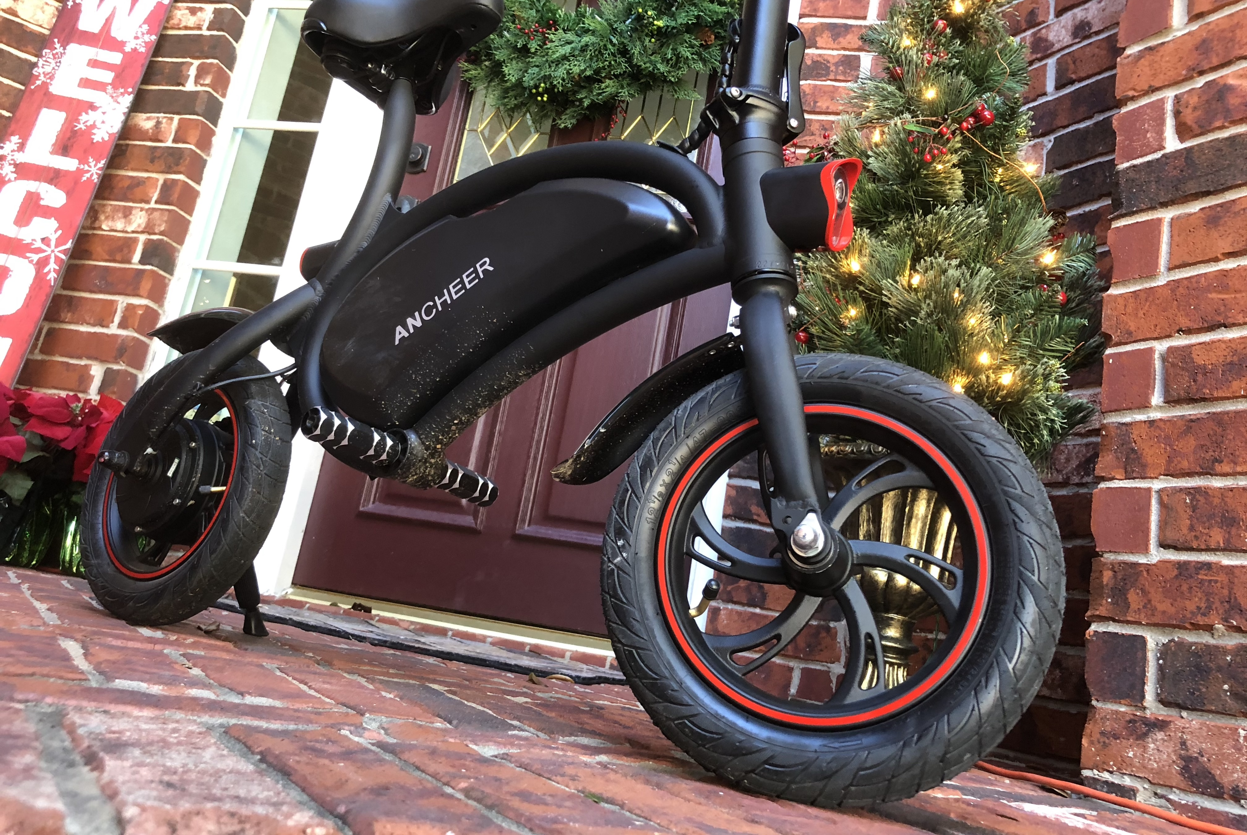 Electrek review: Ancheer folding e-bike/scooter makes a decent commuter ride for under $400
