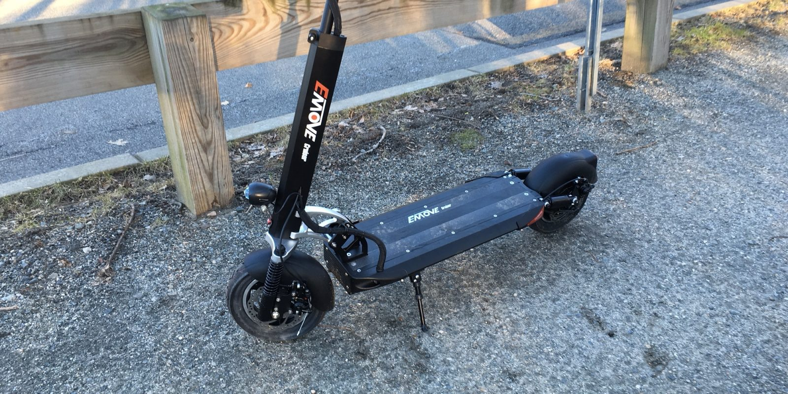 EMove electric scooter review: 50 miles of range and 25 MPH