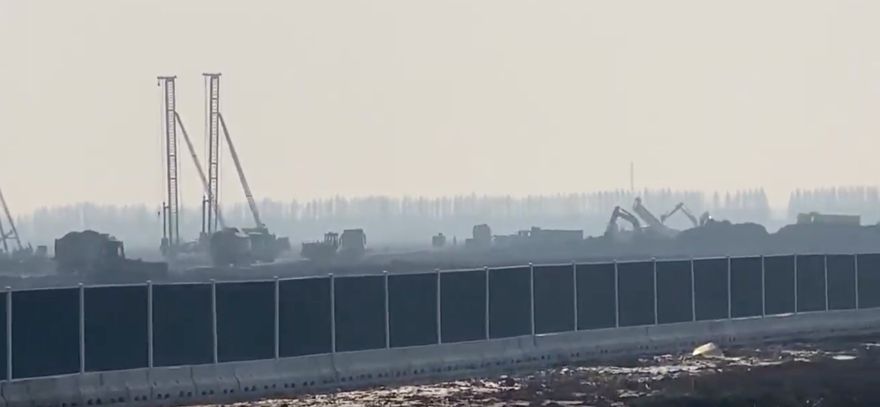 Tesla Gigafactory 3 site comes alive with construction work – video