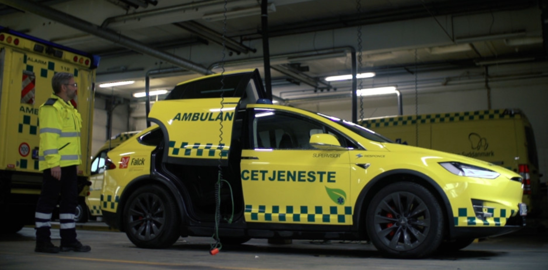 Tesla Model X Gets Turned Into An Ambulance For Emergency Services Electrek I am currently researching information on properly receiving an ambulance on a work site. tesla model x gets turned into an