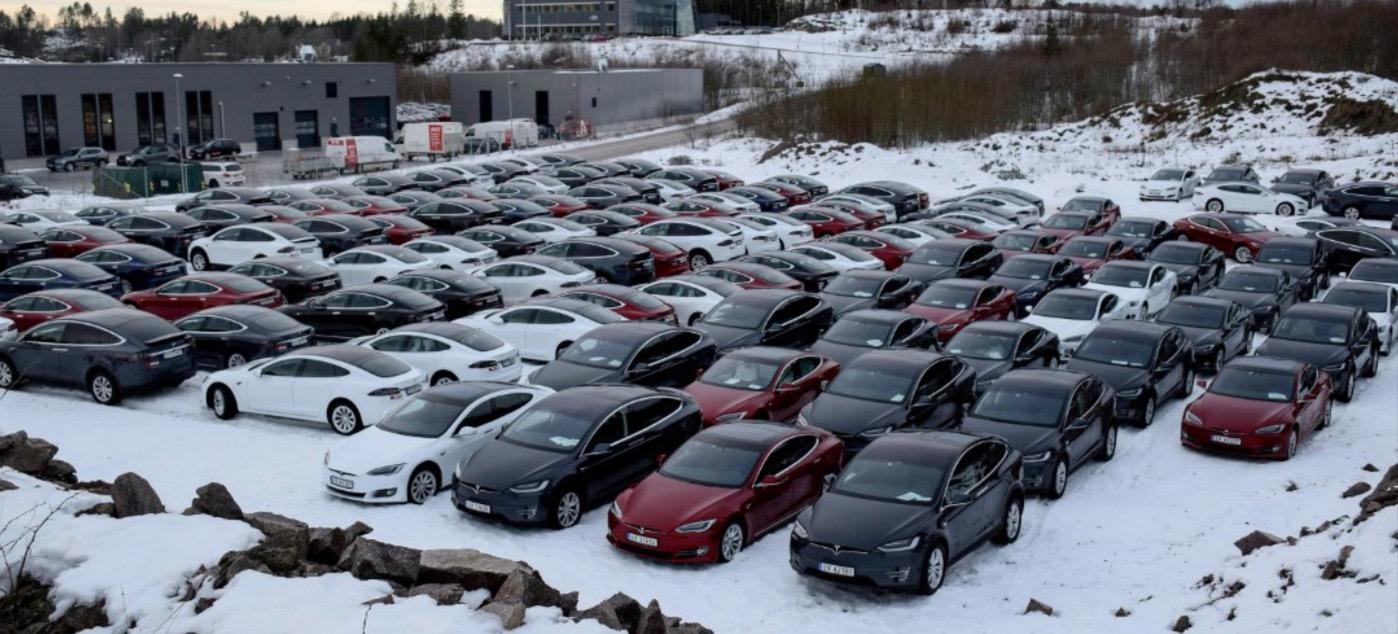 Rent A Tesla >> Tesla Delivers Massive Fleet To Rental Car Company Avis Electrek