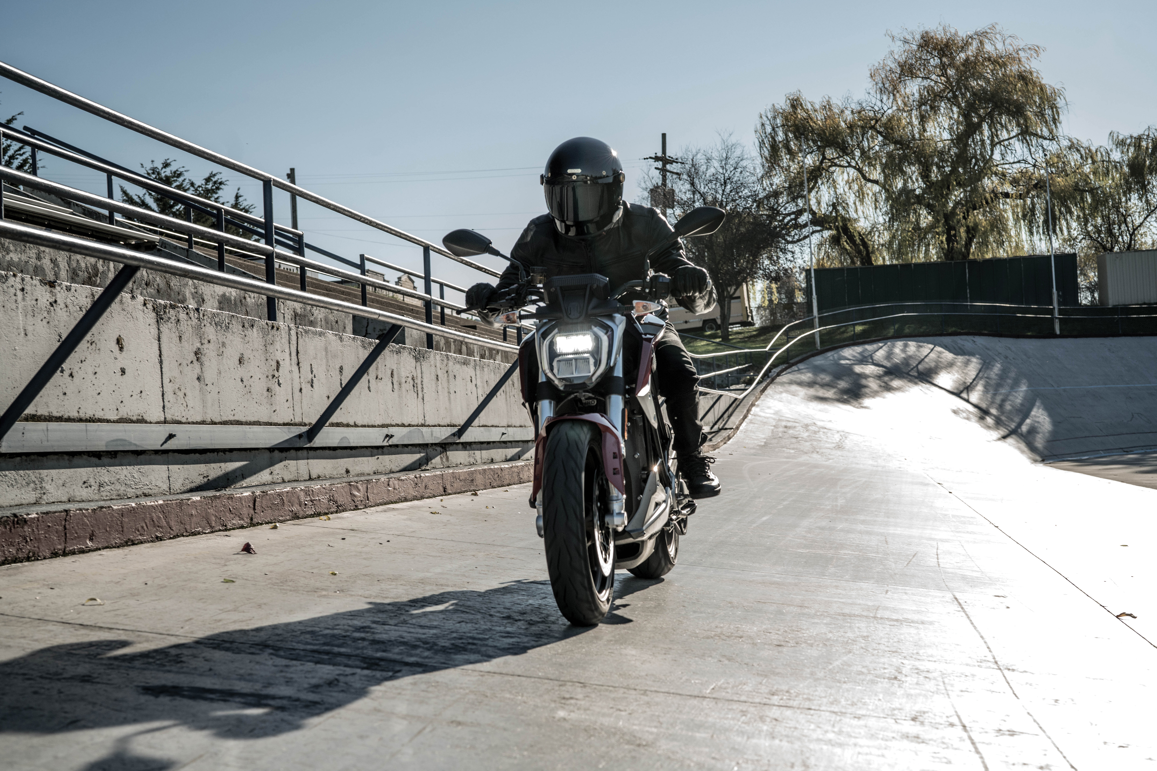 Zero Claims That The Sr F Is First Available Fully Iot Connected Motorcycle In Addition To Rider Being Able View And Alter Performance
