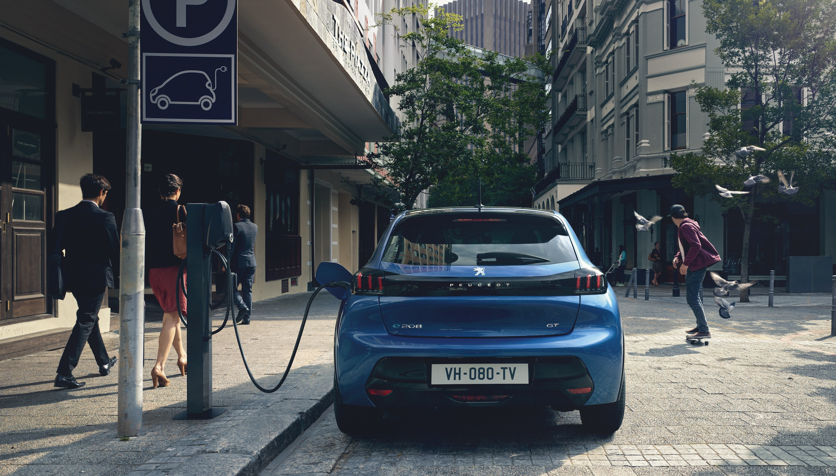 Peugeot Unveils All-electric 208 Hatch With 211 Miles Of