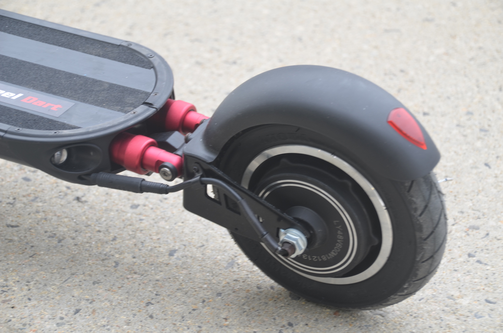 The Turbowheel Dart 25 mph electric scooter is 1 2 kW worth of fun