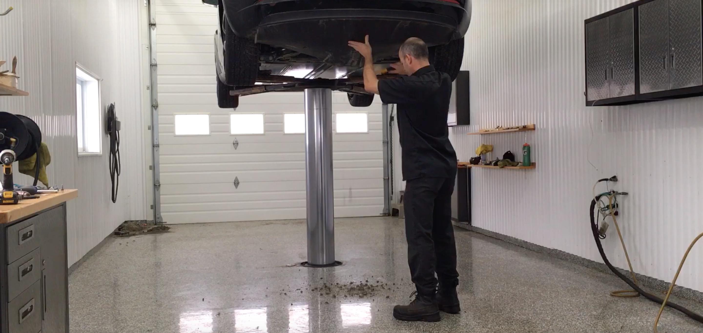 Tesla Model 3 design flaw results in sand and water getting stuck in underbody - Electrek