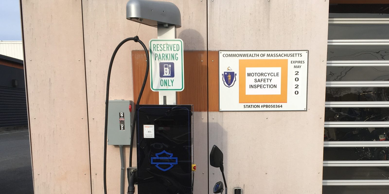 Harley Davidson Dealers Prepping For Electric Vehicles Installing Ev Chargers