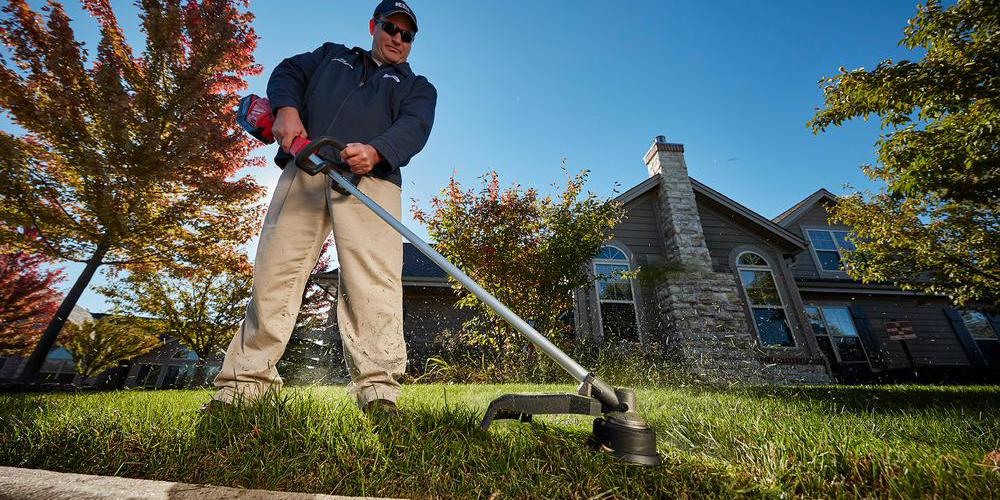 Green Deals Milwaukee M18 Electric String Trimmer 219