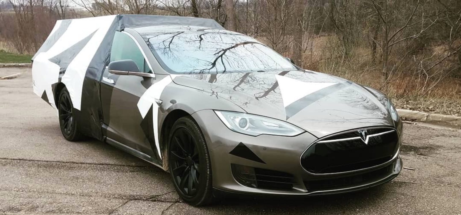Tesla Model S-based electric motorhome unveiled – disappointment?