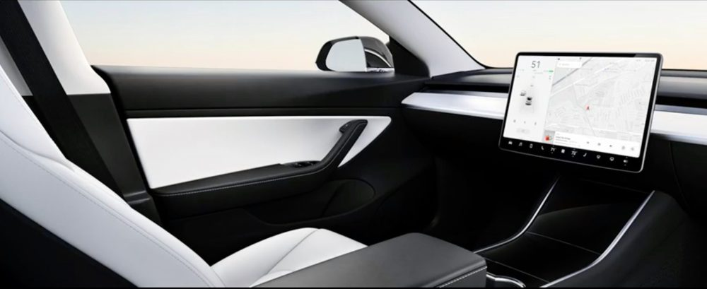 Tesla self-driving without a steering wheel