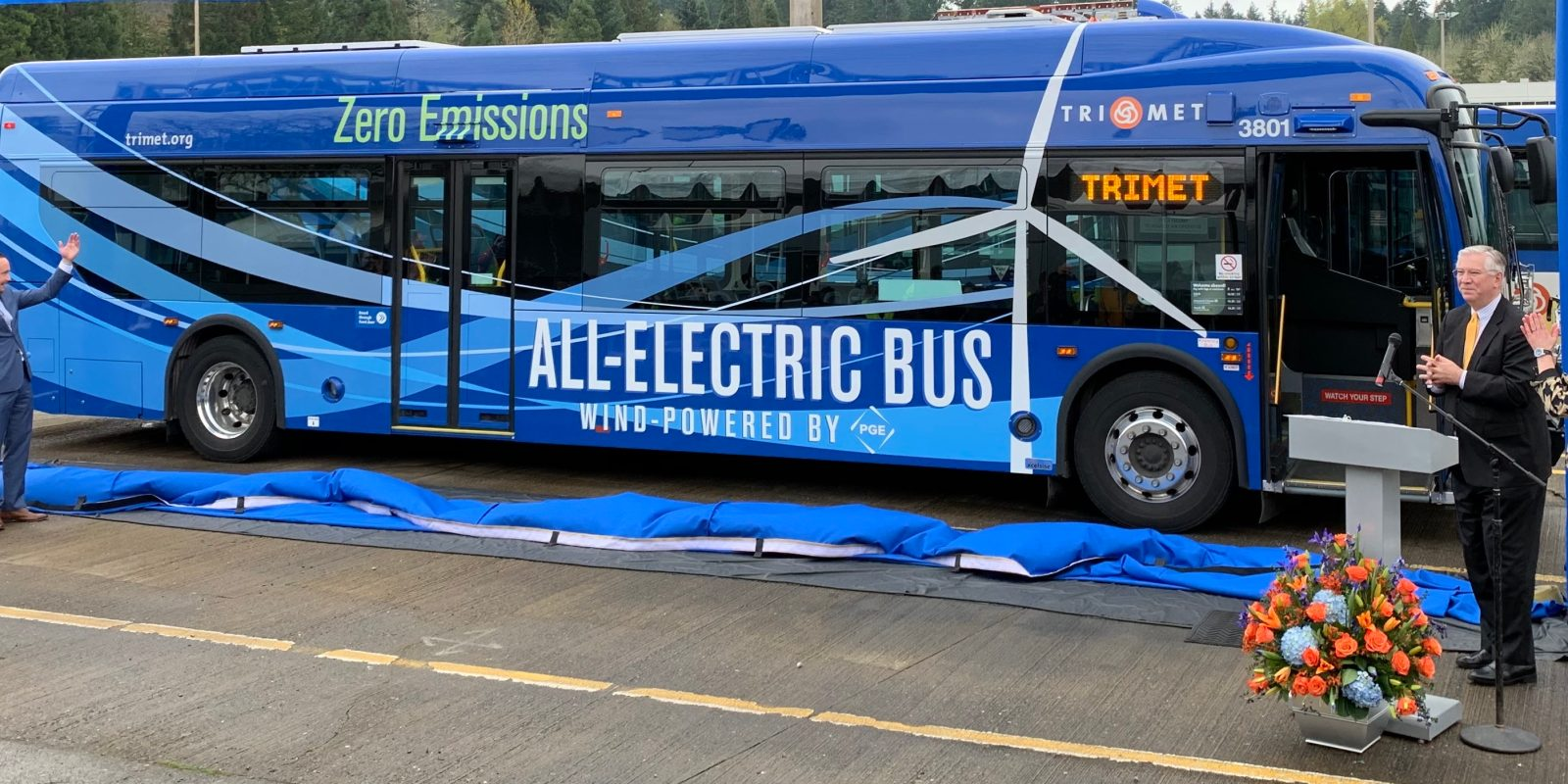 Portland's new electric buses run on wind energy, a first in