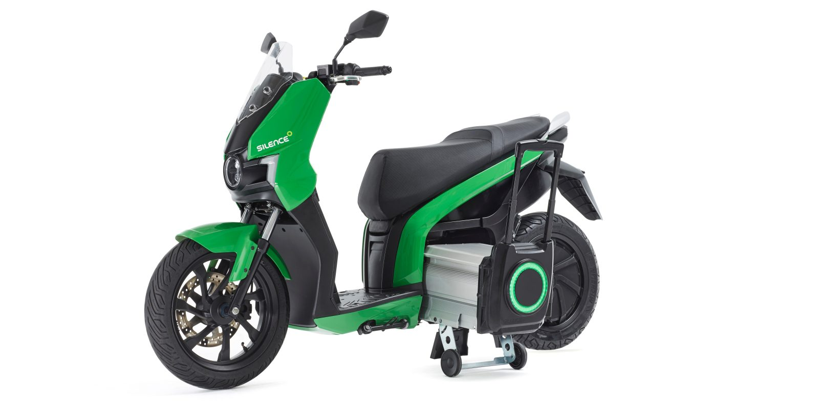 Silence's 100 km/h electric scooters with removable wheeled
