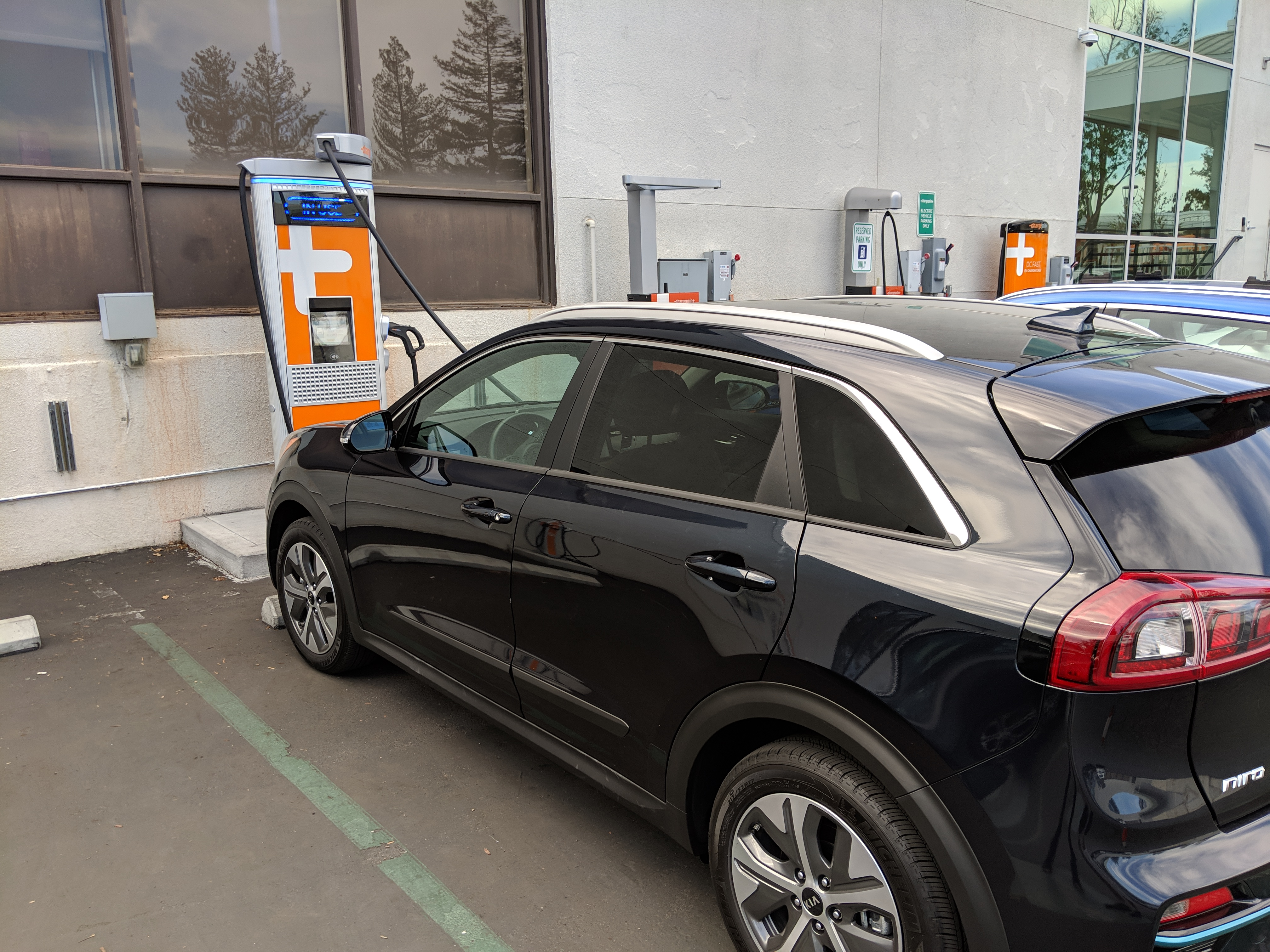 The Electrek Review Kia Niro Ev The New Normal Electric Family Car Electrek