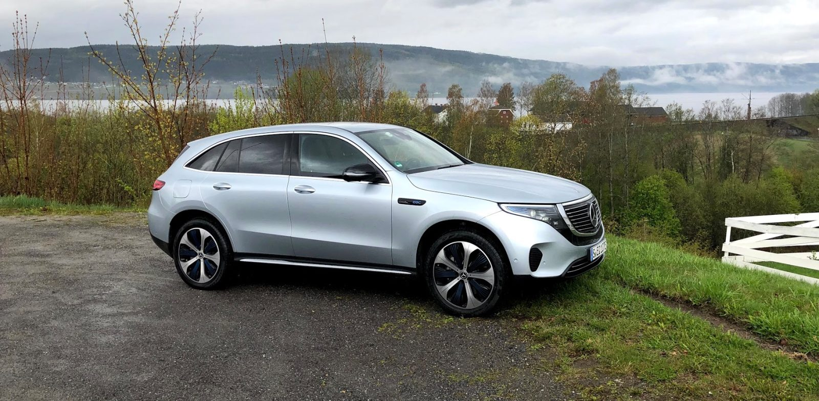 Mercedes Benz Eqc First Drive Review An Easy Way For Drivers To Go Electric