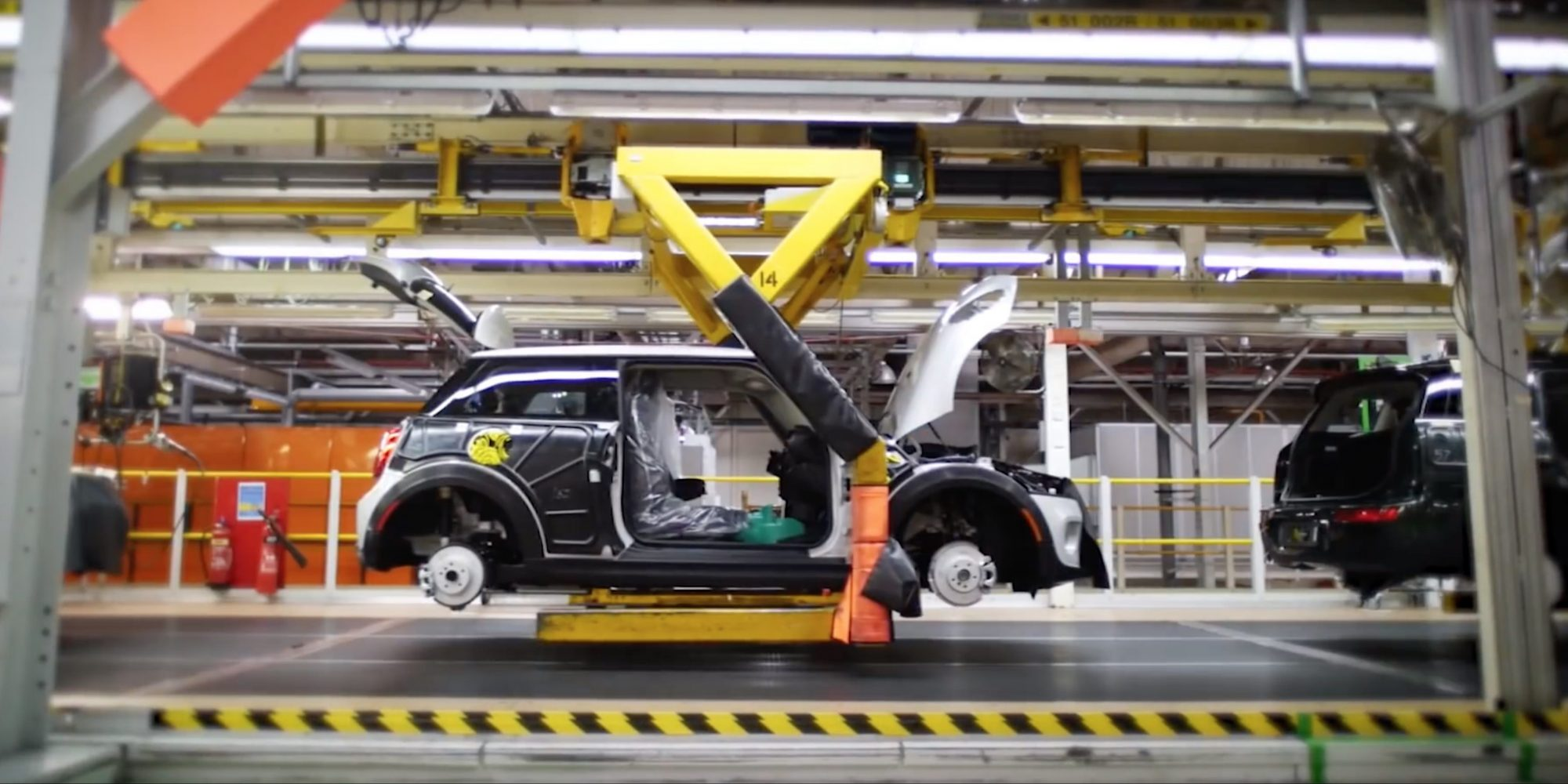 See the upcoming MINI Electric get assembled in this short production line video