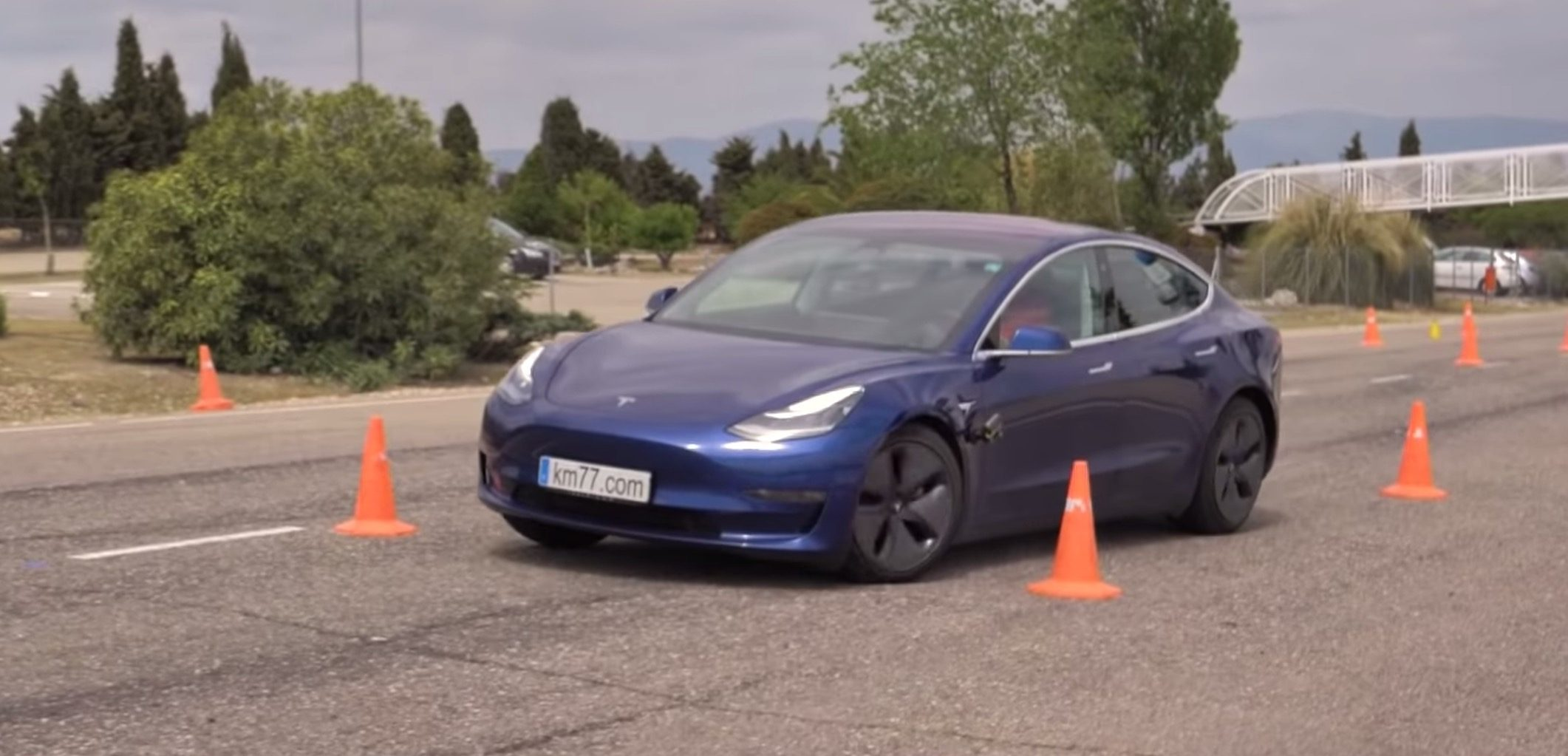 Watch Tesla Model 3 ace the 'Moose test'