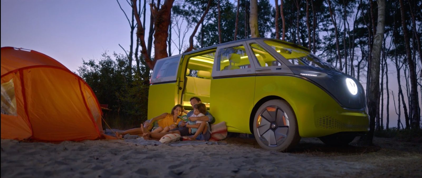 Vw Teases Electric And Autonomous Van Life With New Id Buzz Microbus Video