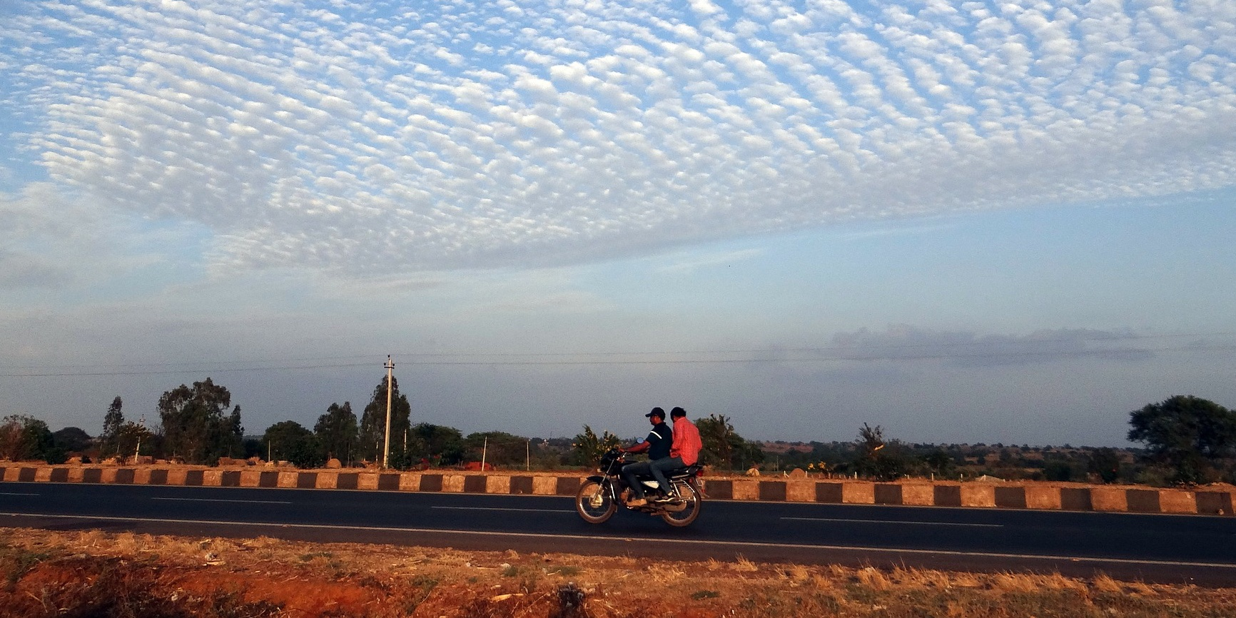 India may electrify all two- and three-wheelers by 2025 to reduce pollution, fossil fuel dependency