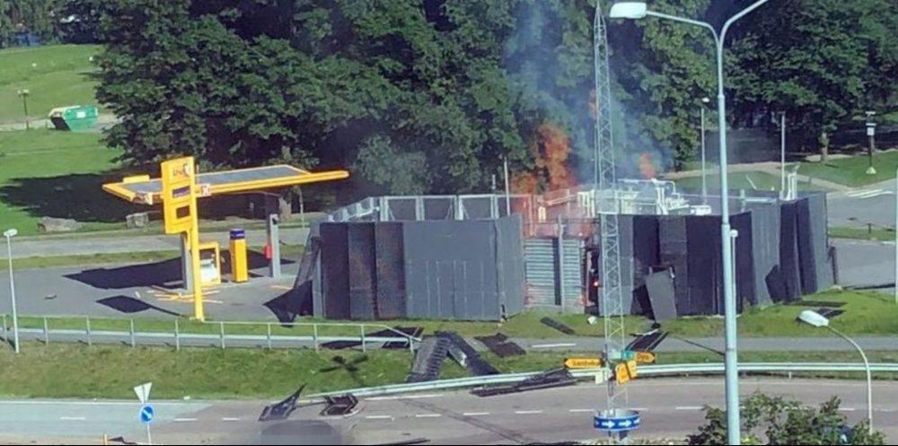 Hydrogen station explodes