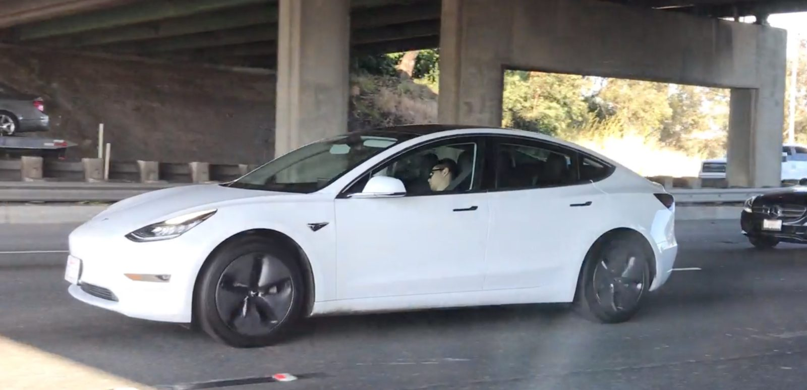 Tesla drives are getting caught sleeping on Autopilot – blame people, not Autopilot