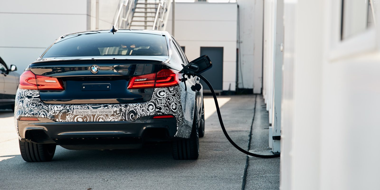 BMW shows no desire to make own batteries in electric push, frustrating German govt