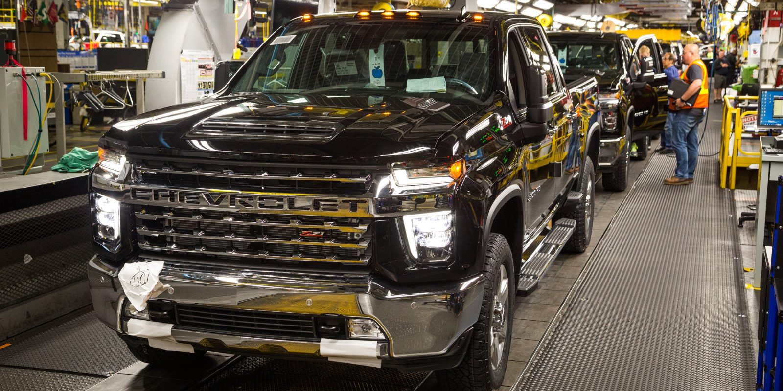 GM's 'can't-do' attitude on electric pickups: exec gives ...