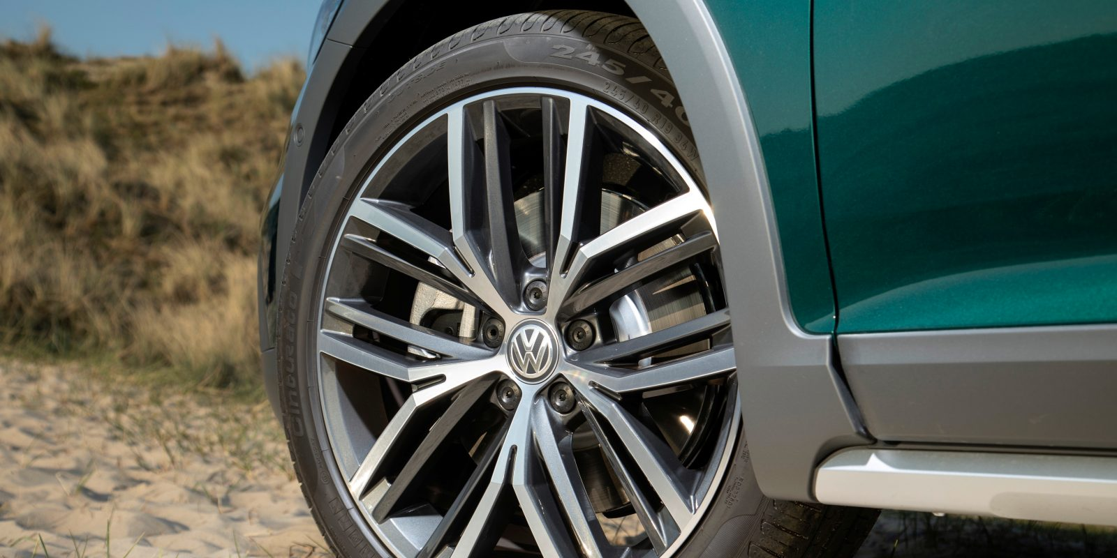 Self-driving swap? Volkswagen ends relationship with Aurora, signs still point to a deal with Argo