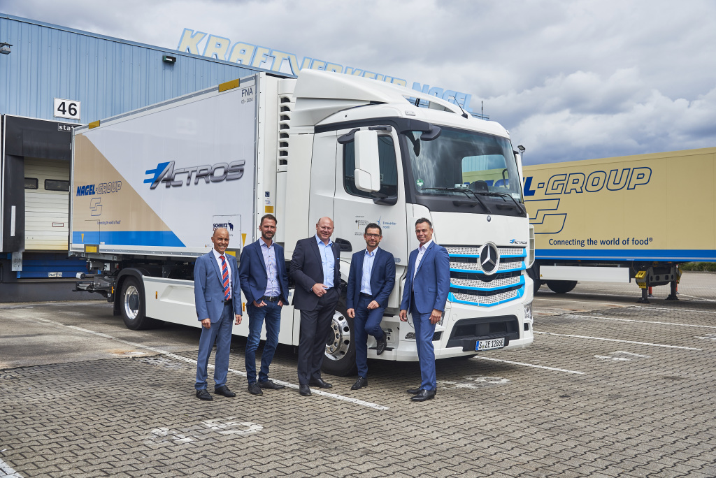 Mercedes-Benz completes deliveries of its fleet of electric