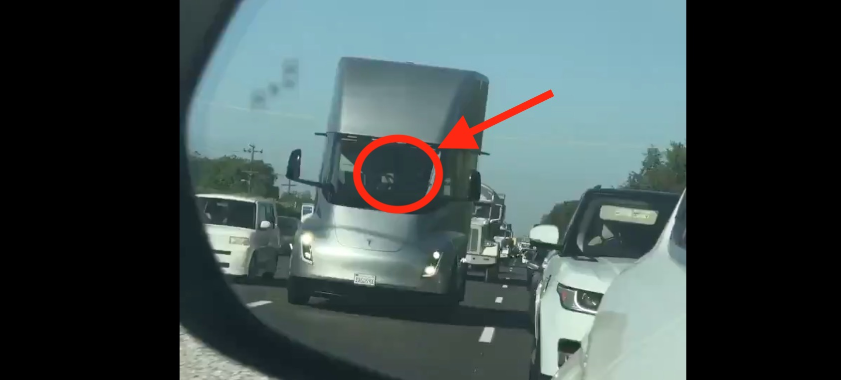 Tesla Semi prototype spotted on highway, maybe without a driver - Electrek