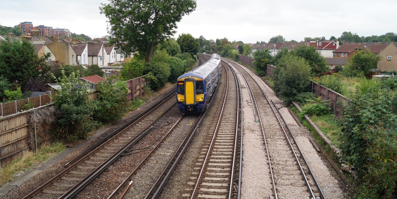 UK railway to directly power trains with solar energy in upcoming project