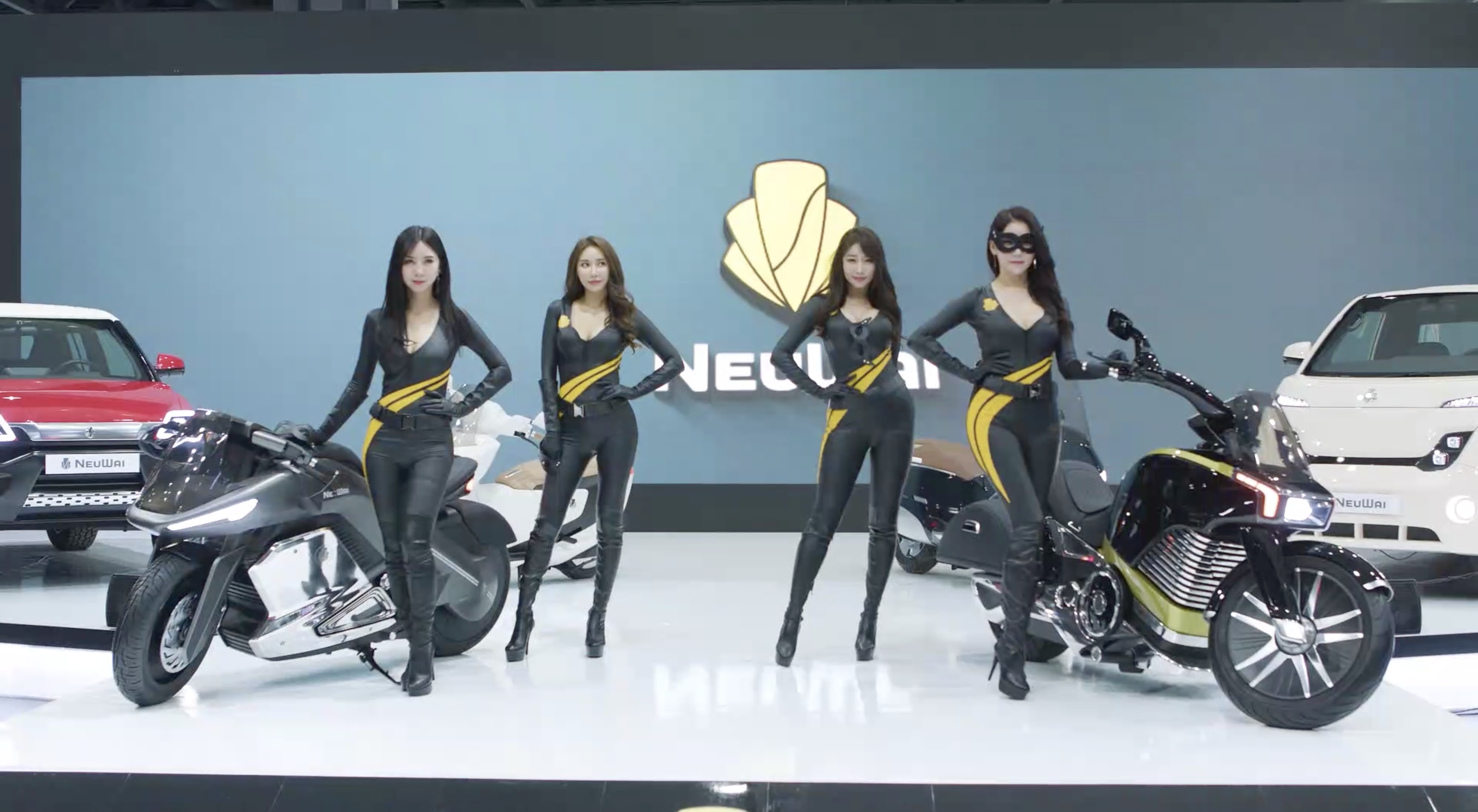 NeuWai electric motorcycles to offer sport bike and cruiser next year