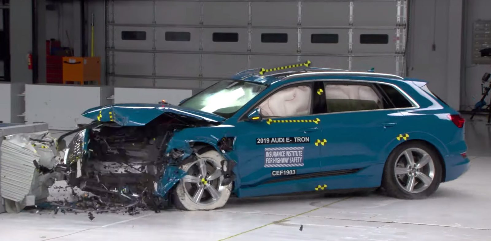 Iihs Safety Ratings >> Audi E Tron Electric Suv Becomes First Battery Electric
