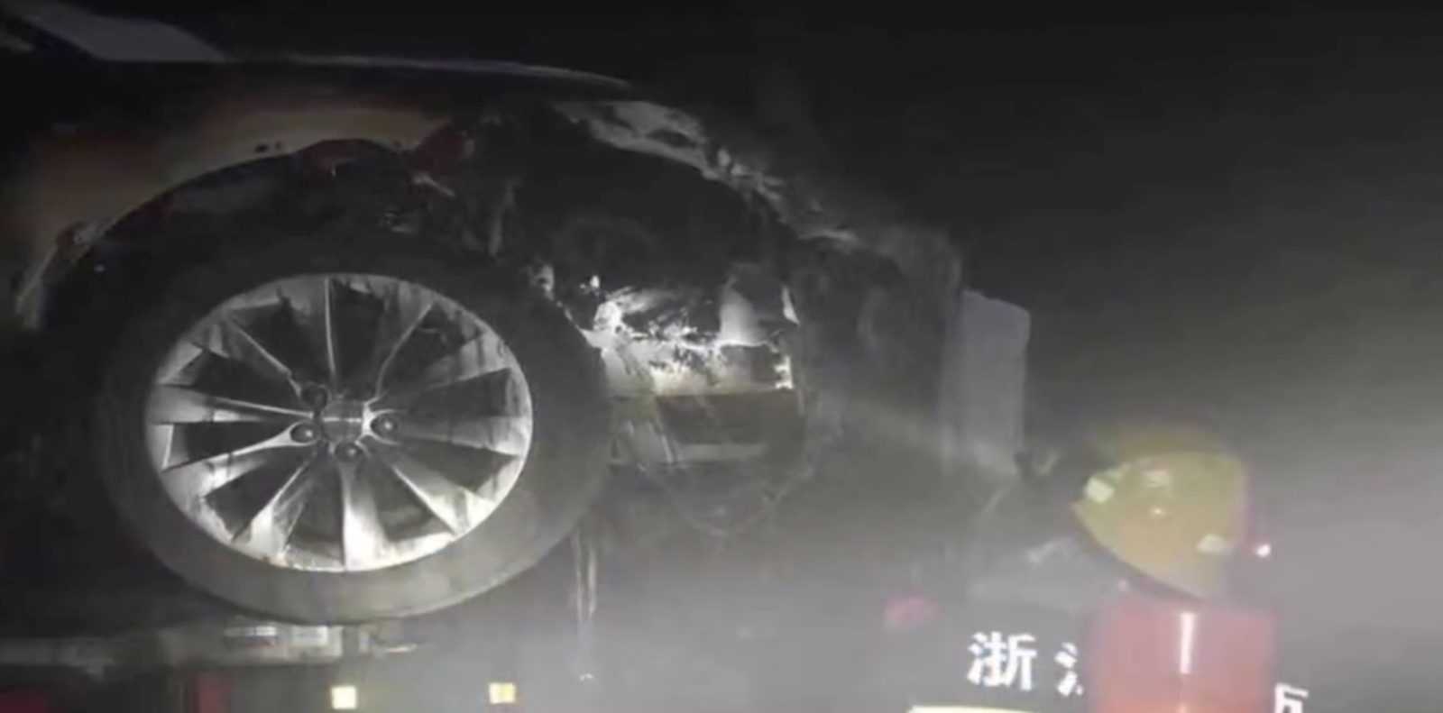 Tesla caught on fire while in Hangzhou service center, Tesla says battery had water damage