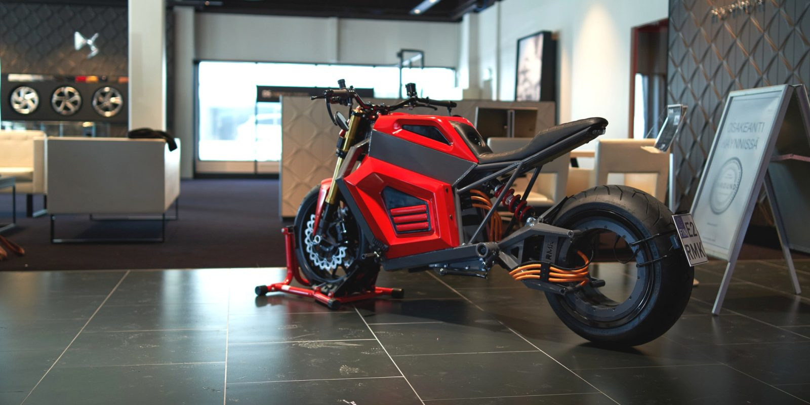 RMK E2 hubless electric motorcycle making progress with