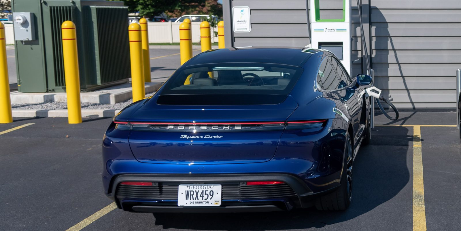 Porsche Taycan first car to charge at 270 kW on Electrify America's network