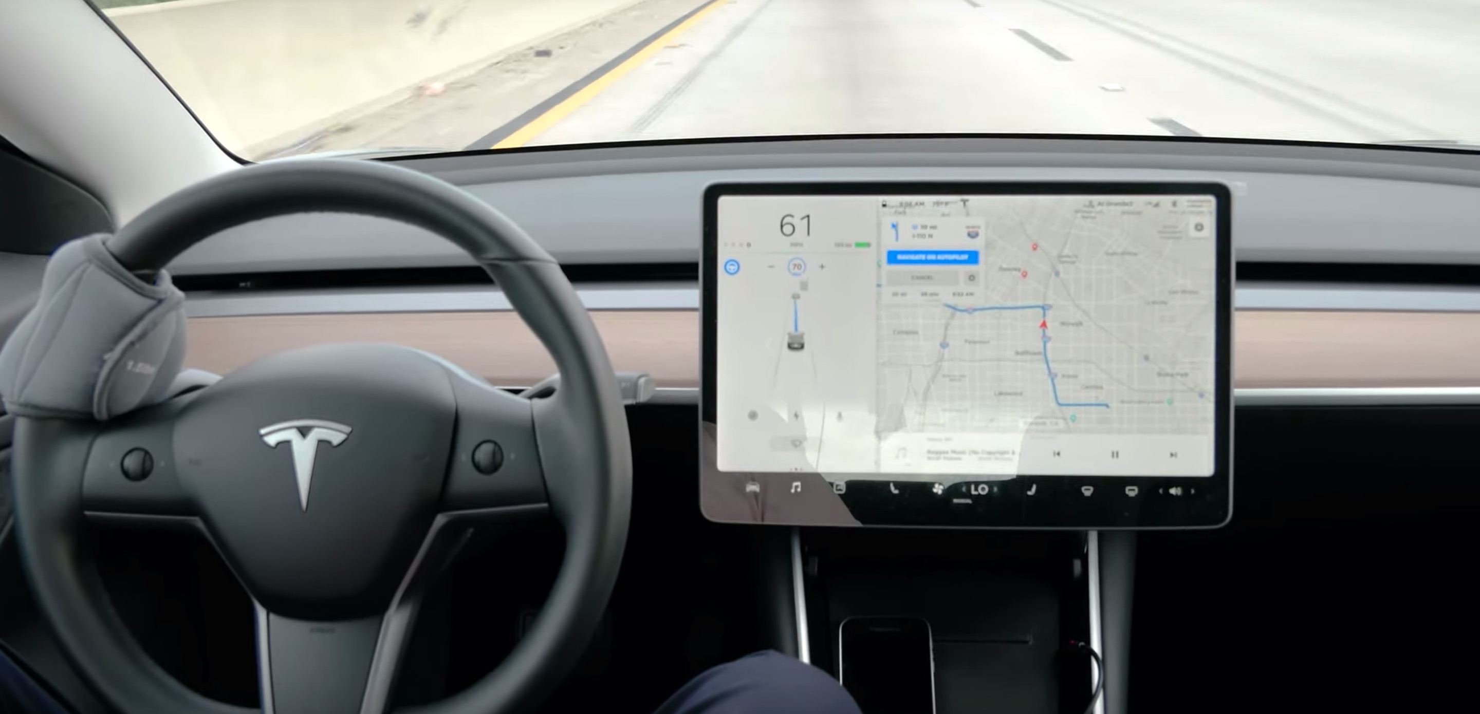 Watch Tesla Autopilot V10 do a 40-min commute on 3 freeways without driver intervention - Electrek