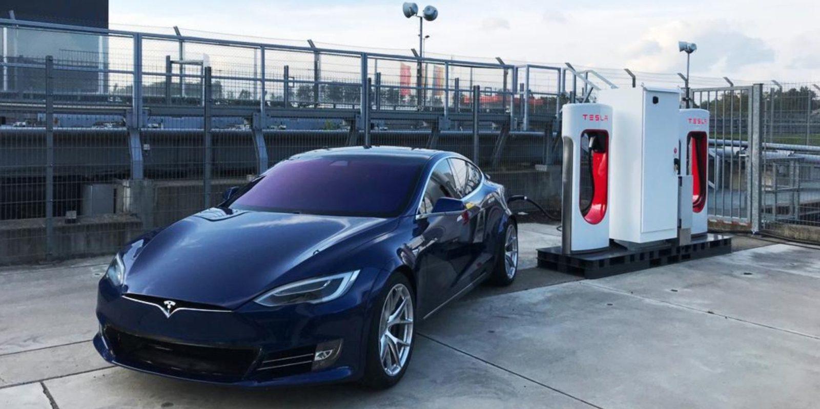 Tesla installs a Supercharger station at Nürburgring