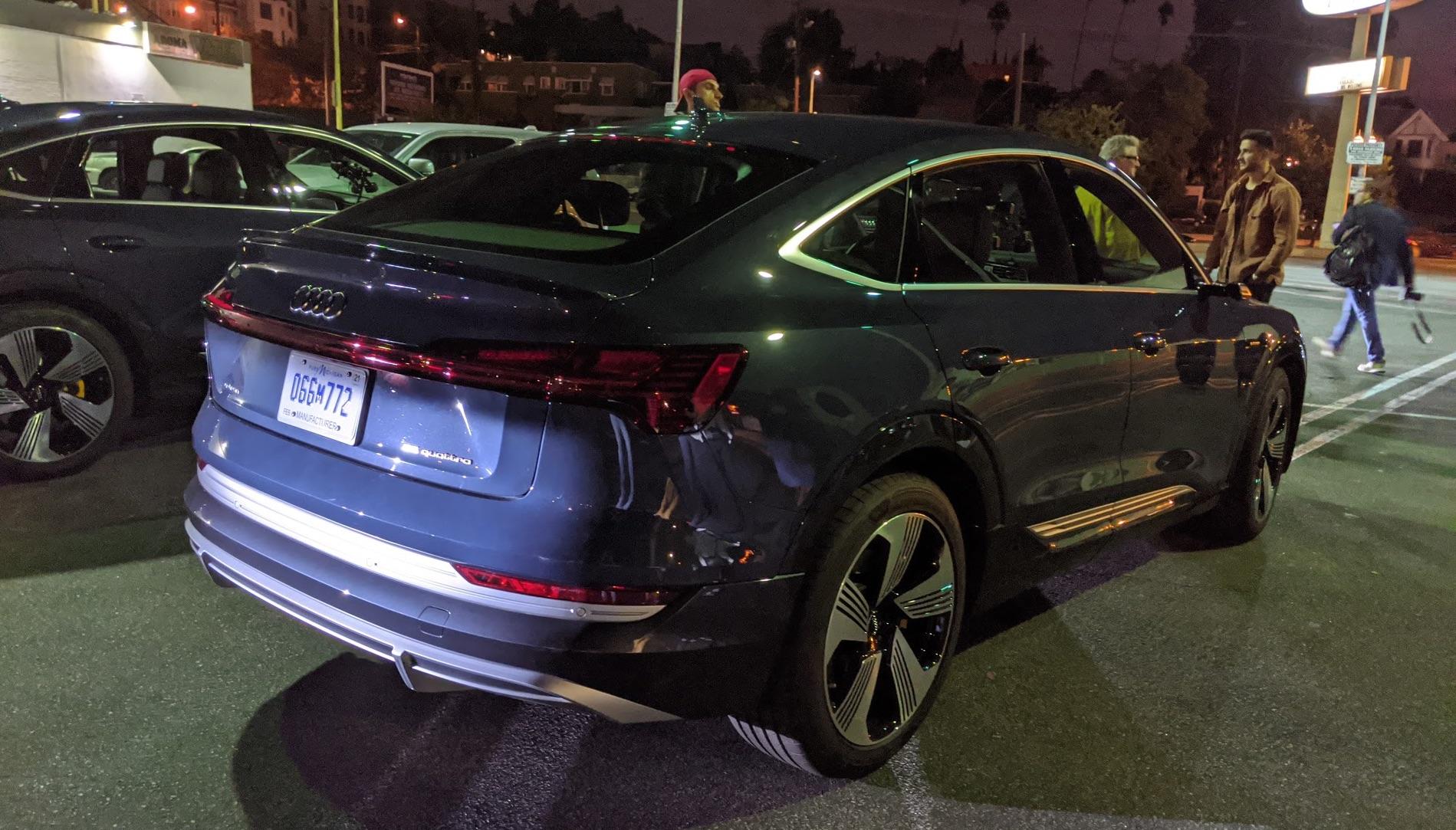 Audi-sportback-e-tron