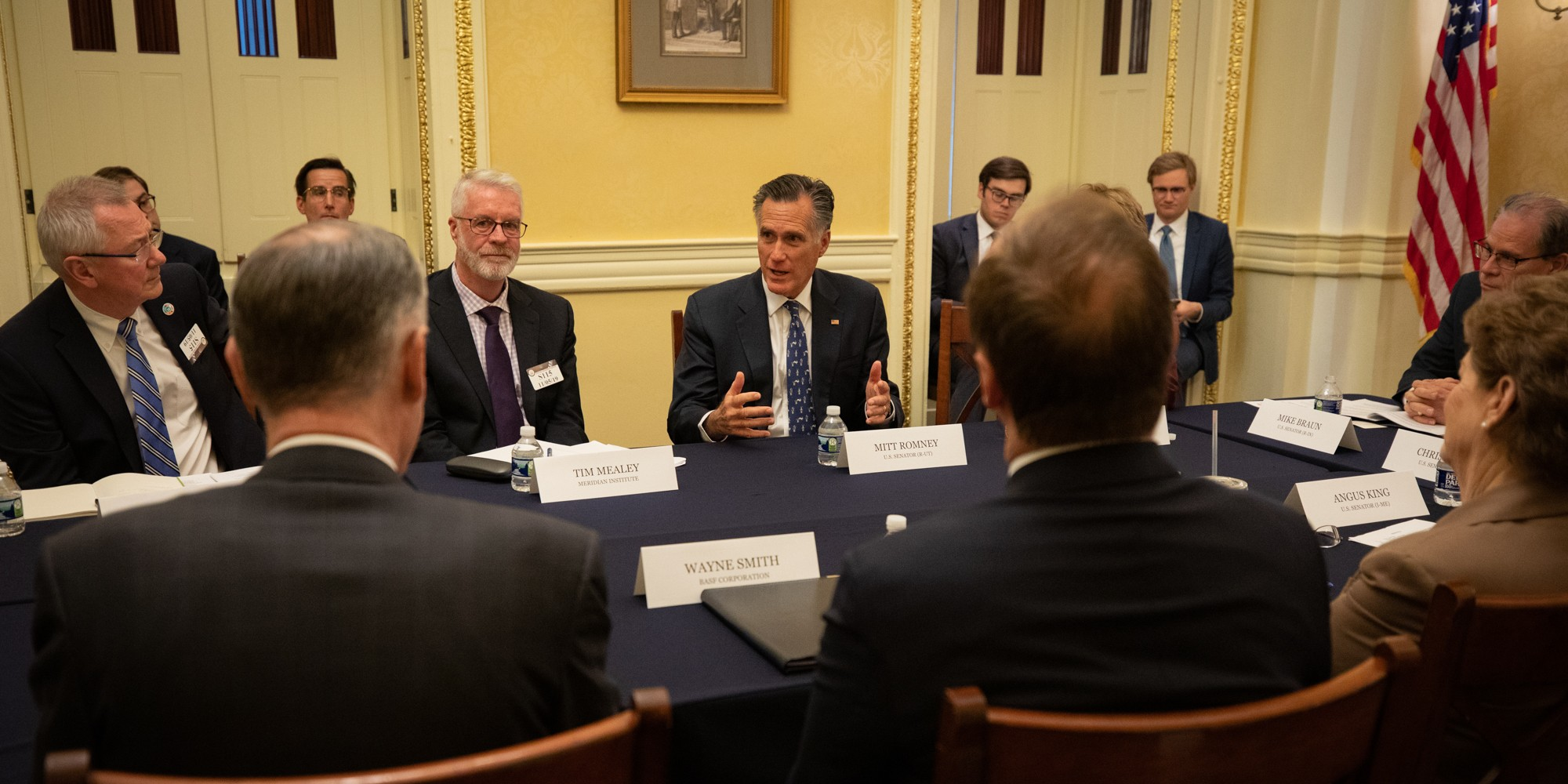 photo of Bipartisan Senate Climate Solutions Caucus grows to 8 members image