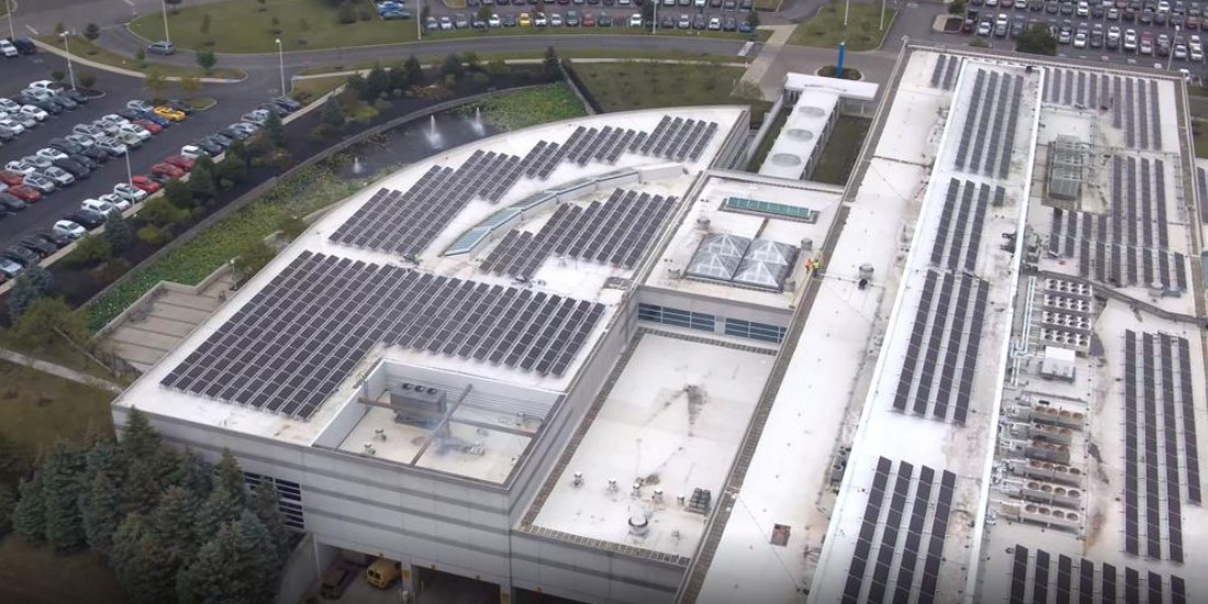 EGEB: JPMorgan Chase leads with the world's largest bifacial solar rooftop — and lending to fossil-fuel companies, more
