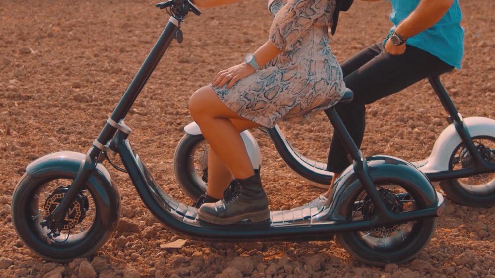 Scooterson Rolley 2:集自动驾驶与超宽轮胎于一体的电动滑板车-唯轮网