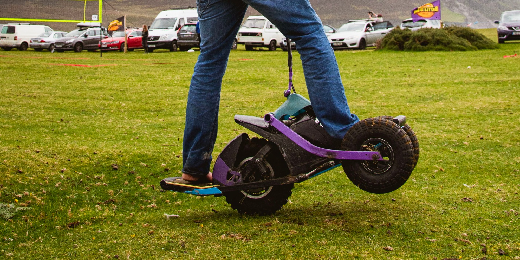 YX One is the craziest 1.5 kW electric scooter board thing I've ever seen