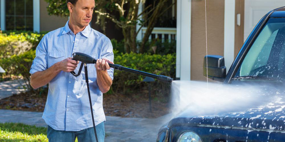 Pick up this budget electric pressure washer for $59, more in today's Green Deals