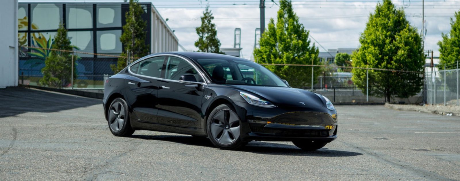 Porsche rents Tesla Model 3 to test out latest Autopilot, comes out impressed