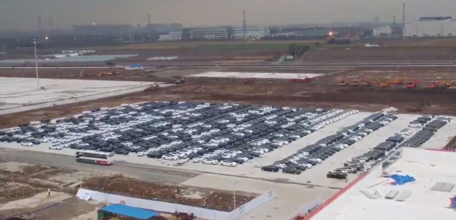 Tesla Model 3 cars are overflowing in Gigafactory 3 parking lot